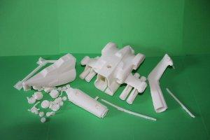 Отпечатанные на 3д принтере детали модели вертолета