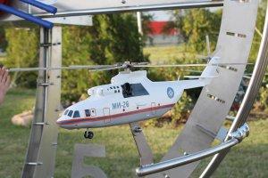 Отпечатанная на 3д принтере и окрашенная модель вертолета ми-26