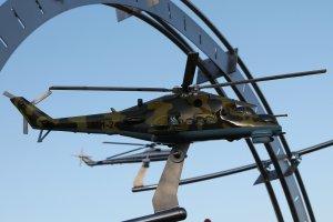Отпечатанная на 3д принтере и окрашенная модель вертолета ми-24