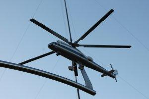 Отпечатанная на 3д принтере и окрашенная модель вертолета ми-10(р)